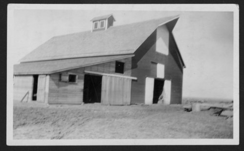 Large barn near Glasco, Kansas - Page