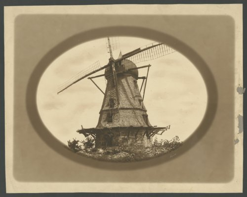 Old windmill in Lawrence, Kansas - Page