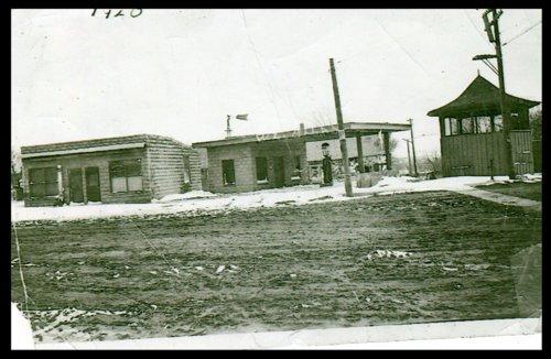 W. L. Allen gas station in Leon, Kansas - Page