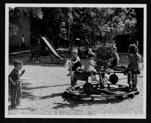 Children at Gage Park, Topeka, Kansas - Page