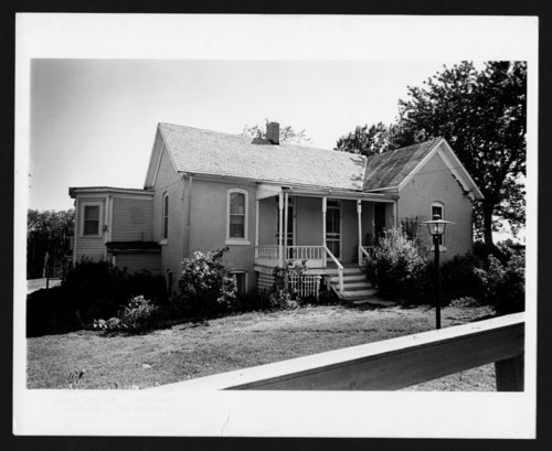 Carry Nation home, Medicine Lodge, Kansas - Page