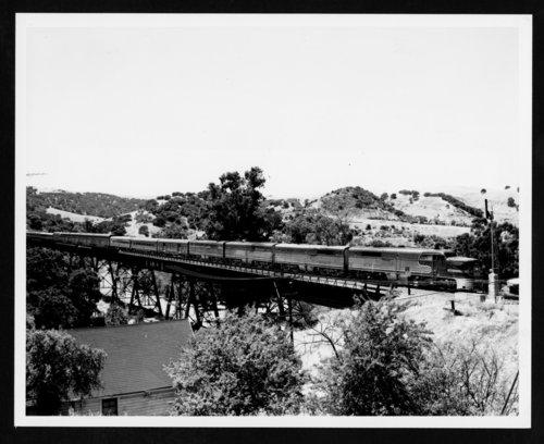 Atchison, Topeka & Santa Fe Railway's San Francisco Chief near Glen Frazier, California - Page