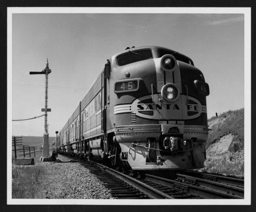 Atchison, Topeka & Santa Fe Railways' San Francisco Chief - Page