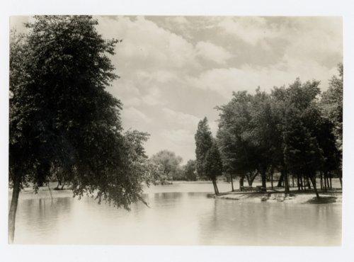Lakeside Park in Pittsburg, Kansas - Page