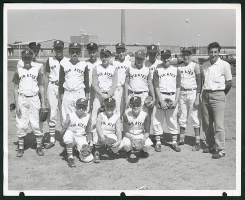 Boulevard Plaza Pirates baseball team in Wichita, Kansas - Page