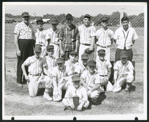 Boulevard Plaza Whiz Kids baseball team in Wichita, Kansas - Page