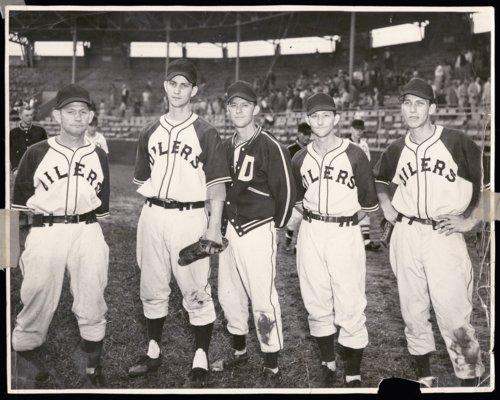 Coffman family members of the Topeka Decker Oilers baseball team - Page