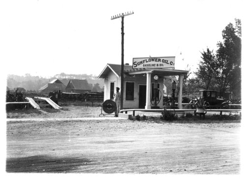 Sunflower Oil Company service station in Paxico, Kansas - Page