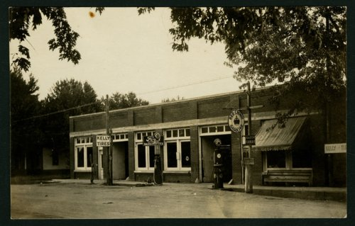 Filling station and Ford dealership in Mount Hope, Kansas - Page