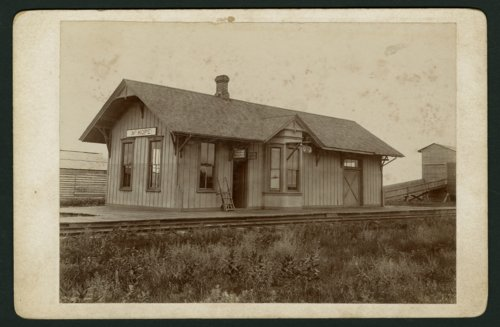 Missouri Pacific Railroad depot, Mount Hope, Kansas - Page