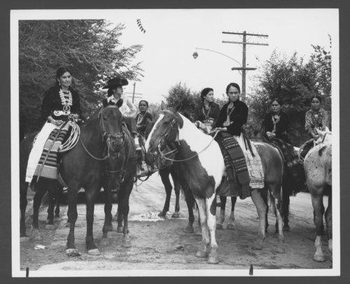 Navajo women - Page