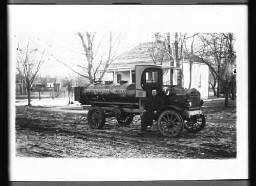 Howard Oil Company truck in Mount Hope, Kansas - Page