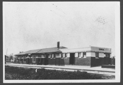 Atchison, Topeka & Santa Fe Railway Company depot, Eureka, Kansas - Page