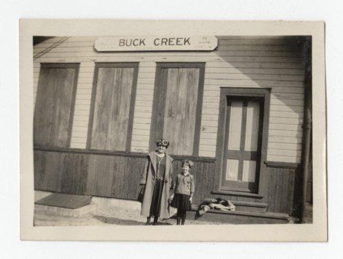 Railroad station at Buck Creek, Kansas - Page