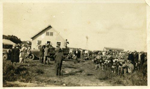 Large crowd in Alta Vista, Kansas - Page