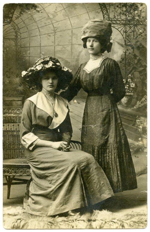 Pauline Mathies and Emma Blanc - Page