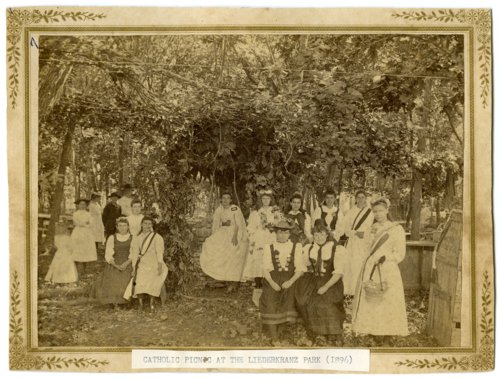 Picnic in Liederkranz Park in Alma, Kansas - Page