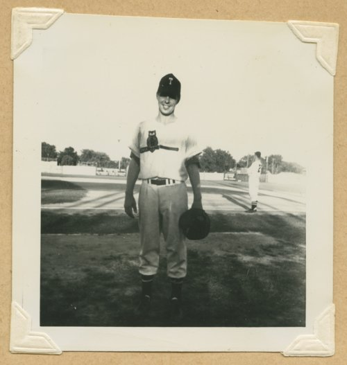 Dick Anderson of the Topeka Owls baseball team - Page