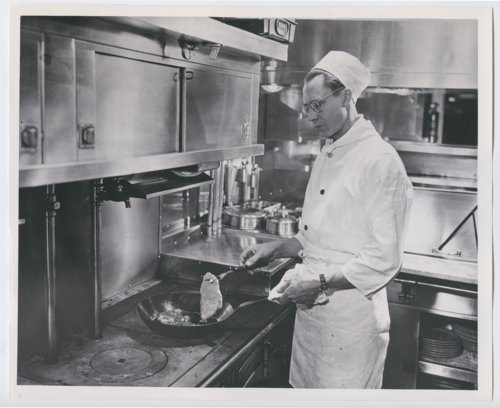 Atchison, Topeka & Santa Fe Railway Company's kitchen car - Page