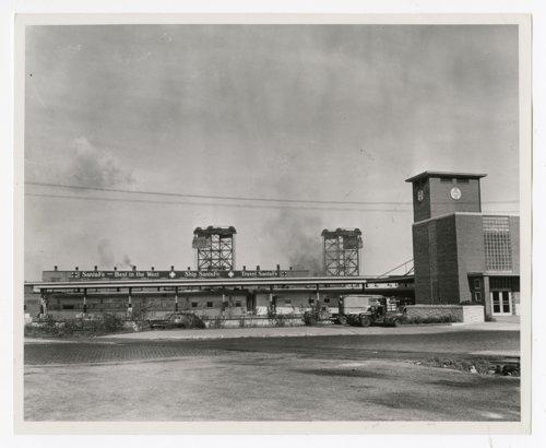Atchison, Topeka & Santa Fe Railway Company's commissary building, Chicago, Illinois - Page