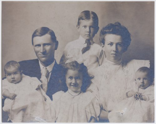 August and Edith Morawetz with their family - Page
