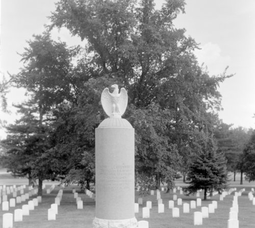 Henry Leavenworth's grave monument in the Fort Leavenworth cemetery - Page