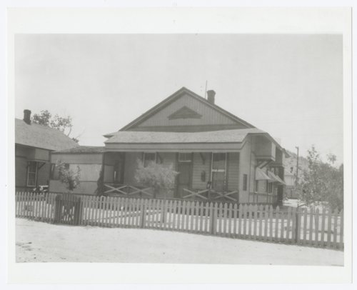 California & San Francisco Railroad cottage house, Barstow, California - Page