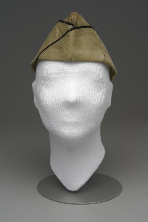 Garrison cap - Page