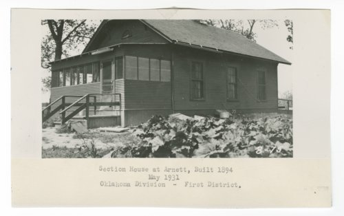 Atchison, Topeka & Santa Fe Railway Company section house, Arnett, Oklahoma - Page