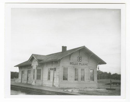 Atchison, Topeka &  Santa Fe Railway Company depot, Belle Plaine, Kansas - Page