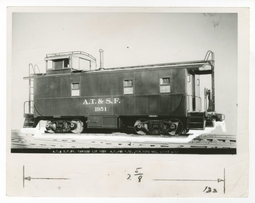 Atchison, Topeka & Santa Fe Railway Company's caboose No. 1951 - Page