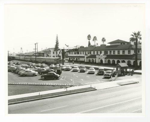 Atchison, Topeka and Santa Fe Railway Company depot, Fresno, California - Page