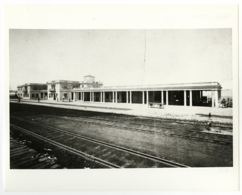 Atchison, Topeka & Santa Fe Railway Company depot & hotel, Williams, Arizona - Page