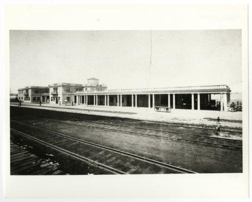 Atchison, Topeka and Santa Fe Railway Company depot and hotel, Williams, Arizona - Page