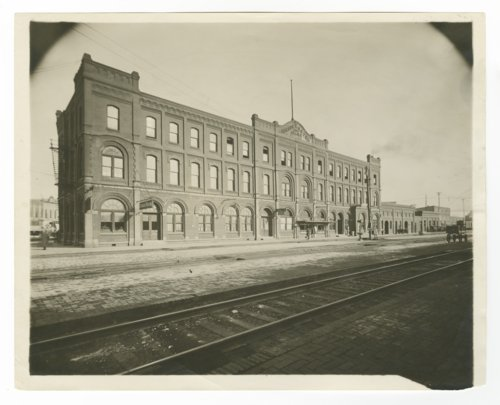 Atchison, Topeka & Santa Fe Railway Company Arcade Hotel & Fred Harvey House, Newton, Kansas - Page