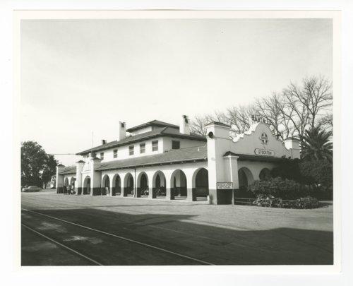 Atchison, Topeka & Santa Fe Railway Company depot, Stockton, California - Page