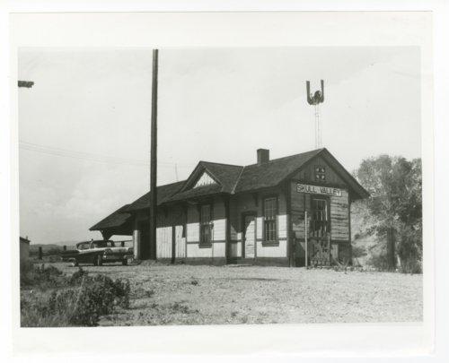 Atchison, Topeka & Santa Fe Railway Company depot, Skull Valley, Arizona - Page