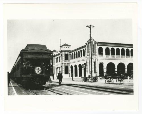 Atchison, Topeka & Santa Fe Railway Company's Casa Del Desierto, Barstow, California - Page