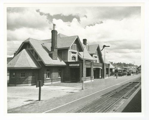 Atchison, Topeka & Santa Fe Railway Company depot, Flagstaff, Arizona - Page