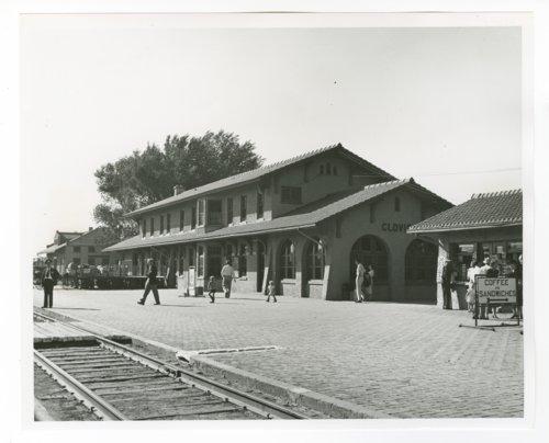 Atchison, Topeka & Santa Fe Railway Company depot, Clovis, New Mexico - Page