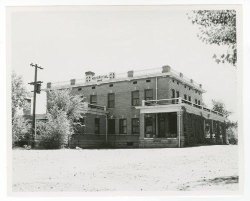 Atchison, Topeka & Santa Fe Railway Company hospital, La Junta, Colorado - Page