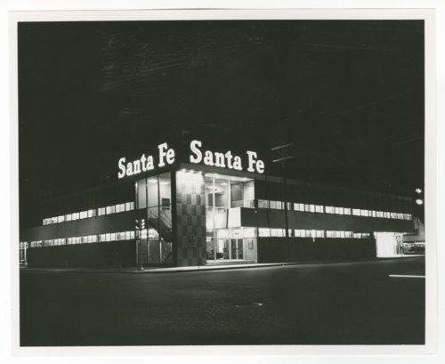 Atchison, Topeka & Santa Fe Railway Company office building, Wichita, Kansas - Page