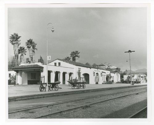 Atchison, Topeka & Santa Fe Railway Company depot, Pasadena, California - Page