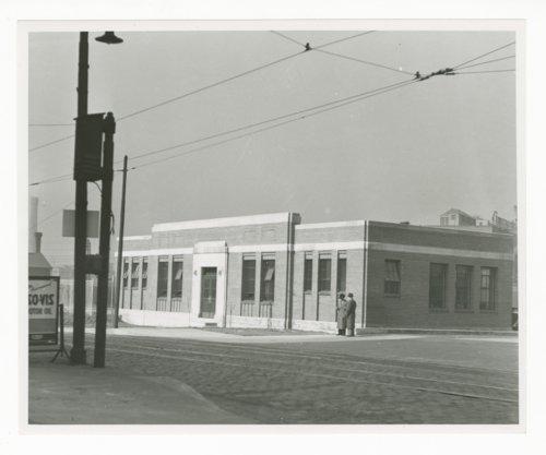Atchison, Topeka & Santa Fe Railway Company's fruit acution house, Chicago, Illinois - Page