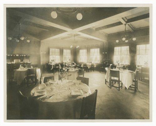 Atchison, Topeka & Santa Fe Railway Company & Fred Harvey Fray Marcos Hotel, Williams, Arizona - Page
