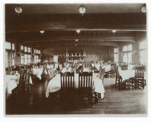 Atchison, Topeka & Santa Fe Railway Company depot & Fred Harvey Bisonte Hotel, Hutchinson, Kansas - Page