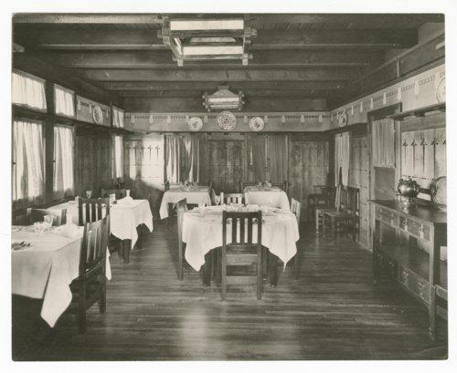 Atchison, Topeka & Santa Fe Railwaly Company's Fred Harvey El Tovar Hotel, Grand Canyon - Page