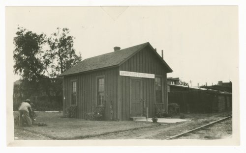 Atchison, Topeka & Santa Fe Railway Company's coach cleaner house, Temple, Texas - Page