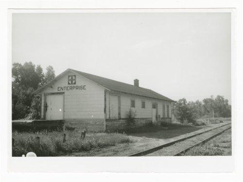 Atchison, Topeka & Santa Fe Railway Company depot, Enterprise, Kansas - Page