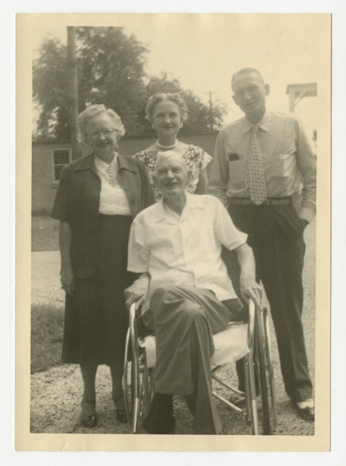 Dr. Clarence H. Kinnaman with his children in Topeka, Kansas - Page
